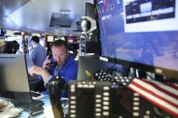 Thị trường chứng khoán Mỹ lên xuống thất thường trong tuần qua
