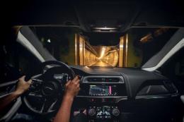Xe điện Jaguar I-PACE chạy xuyên lục địa chỉ một lần sạc