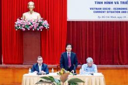 Chuyên gia lo kinh tế Việt Nam
