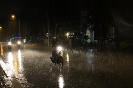 Dự báo thời tiết đêm 18/9: Cả ba miền đều có mưa dông