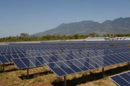 Khởi công nhà máy điện năng lượng mặt trời Tuy Phong