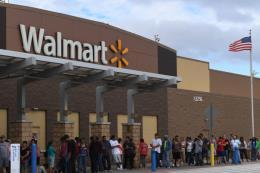 Walmart có thể tăng giá sản phẩm sau quyết định thuế mới của Mỹ
