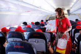 Vietjet Air đón hành khách đầu tiên trên chuyến bay Nha Trang - Đà Nẵng