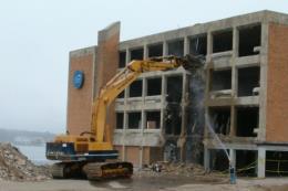 Buộc tháo dỡ trường học 4 tầng xây dựng trái phép