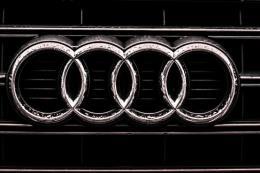 Audi AG nộp phạt 800 triệu euro do gian lận khí thải