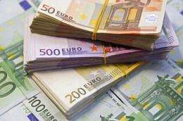 Đồng euro giảm xuống sát mức thấp nhất trong hai tháng