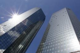 Deutsche Bank bắt đầu tái cơ cấu, sa thải hàng loạt nhân viên