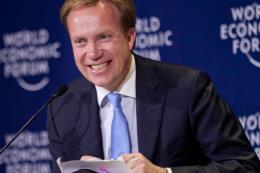 Chủ tịch WEF: Toàn cầu hóa phải tạo thêm nhiều việc làm