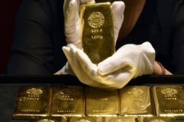 Giá vàng thế giới giảm phiên thứ ba liên tiếp