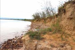 Sạt lở bờ sông diễn biến phức tạp, Quảng Trị đầu tư xây dựng kè