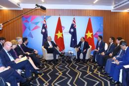 Thủ tướng Nguyễn Xuân Phúc tiếp Thủ tướng Australia bên lề hội nghị