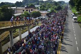 Làn sóng di cư liên tục dồn về biên giới Mexico - Mỹ