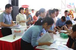 Bàn giao giấy chứng nhận quyền sử dụng đất dự án Phú Hồng Thịnh 9, 10