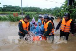 Đà Nẵng kịp thời đưa 7 người ra khỏi khu vực nguy hiểm do mưa lớn