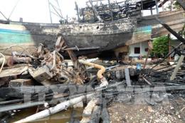 Sóc Trăng: Hai tàu khai thác thủy sản bốc cháy