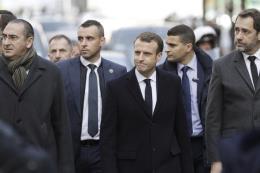 Tổng thống Pháp công bố biện pháp giải quyết tình trạng khẩn cấp