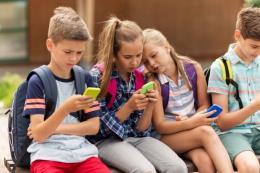 Điện thoại thông minh gây tác hại cho vỏ não của trẻ em