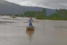 Người dân Bình Định đang phải ứng phó với đợt mưa lũ mới