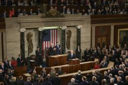 Hạ viện Mỹ ngăn chặn Tổng thống Trump phát động chiến tranh với Iran