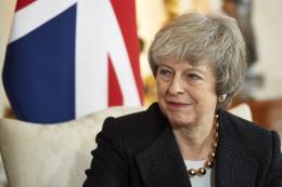 Thủ tướng Anh tránh được cuộc bỏ phiếu bất tín nhiệm thứ hai