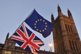 Ngành dịch vụ tài chính Anh chịu nhiều tác động tiêu cực