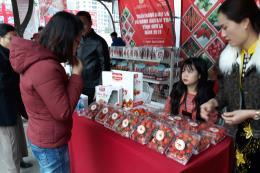 Tuần hàng dâu tây Sơn La tại Hà Nội