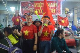 Tiếp lửa cho Đội tuyển Việt Nam giành chiến thắng trong trận mở màn vòng tứ kết
