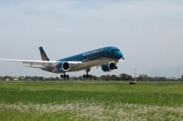 Vietnam Airlines đưa hơn 1.000 người lao động tiêu biểu về quê đón Tết