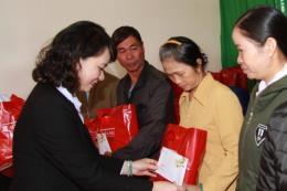 Agribank dành 40 tỷ đồng tặng quà Tết cho người nghèo