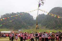 Tưng bừng Lễ hội Gầu Tào