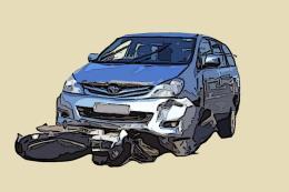 Ô tô mất lái gây tai nạn liên hoàn khiến 2 người bị thương