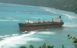 Cảnh báo thảm họa môi trường tại vùng đá ngầm gần đảo san hô lớn nhất thế giới