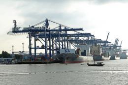 Sớm gỡ những nút thắt trong phát triển cảng biển