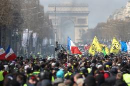 Pháp cắt giảm mục tiêu tăng trưởng kinh tế năm 2019