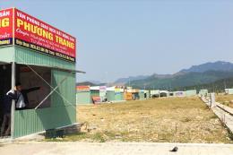 Dỡ bỏ khoảng 200 ki ốt chào bán nhà đất trái phép