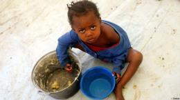 Hàng trăm người bị ngộ độc tại Uganda do dùng thực phẩm của WFP