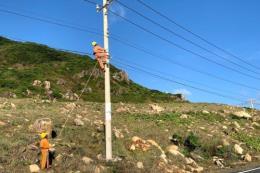 Bàn giao hệ thống lưới điện hạ áp nông thôn đang gặp khó