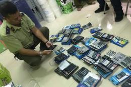 Tp. Hồ Chí Minh thu giữ hàng trăm máy tính Casio nghi giả, nhái