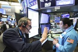 Chứng khoán toàn cầu đồng loạt tăng điểm