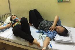 Hơn 130 người nhập viện nghi ngộ độc sau khi ăn cỗ cưới