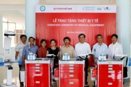 Quỹ Toyota tặng các gói thiết bị y tế cho 9 bệnh viện ở Kon Tum