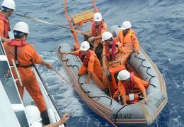 Cứu hộ kịp thời nhiều ngư dân gặp nạn trên biển