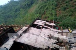 Dông, lốc và mưa đá gây nhiều thiệt hại ở miền núi phía Bắc