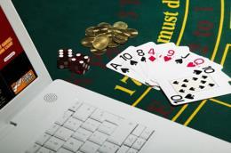Bắt 3 người Hàn Quốc cầm đầu đường dây đánh bạc qua mạng
