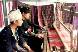 Giữ gìn nghề dệt thổ cẩm Hàm Yên