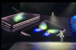 Samsung Galaxy Fold sẽ lên kệ vào tháng 9 tới