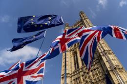 Kinh tế Anh có dấu hiệu phục hồi tăng trưởng