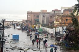 Bão Fani khiến 77 người thiệt mạng tại Ấn Độ và Bangladesh