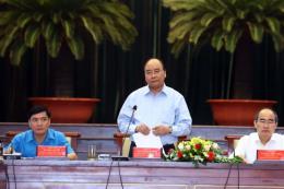 Thủ tướng Nguyễn Xuân Phúc đối thoại với công nhân, người lao động
