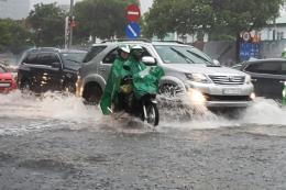 Tp. Hồ Chí Minh: Mưa đầu mùa ngập nhiều tuyến đường, giao thông ùn ứ